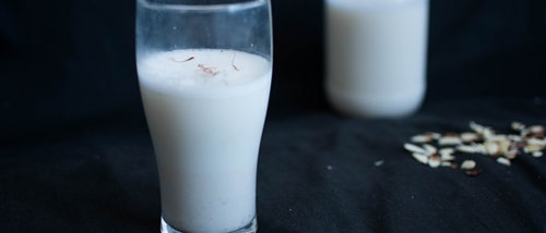 How to extract Almond Milk?