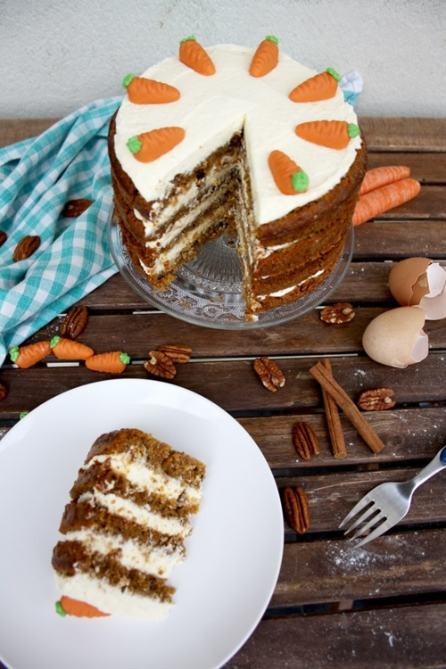 Super Moist Carrot Cake with Vanilla Cream Cheese Frosting
