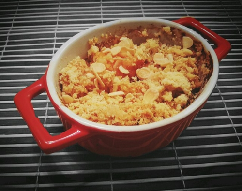 Peach and almond crumble