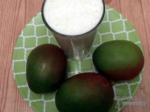 Healthy Mango Milk Smoothie