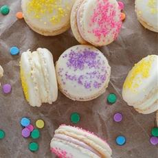 Easter Cheesecake Macarons