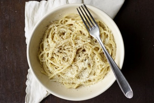 Pasta Cacio e Pepe Recipe with only 5 Ingredients