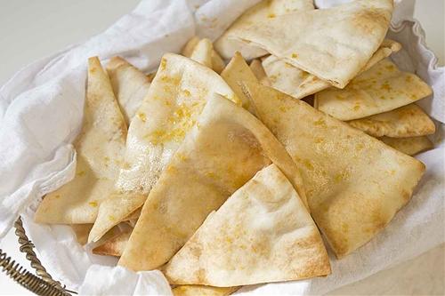 Roasted Garlic Pita Chips