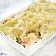 Casserole with smoked mackerel, zucchini and mashed potatoes
