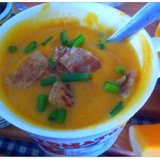 Spicy butternut soup with croutons