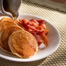 Fluffy Maple Vanilla Buttermilk Pancakes