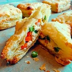 Vegan Pâté Chaud (Bánh Patê Sô)