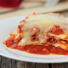 Hearty Cheesy Lasagna with Meat Sauce