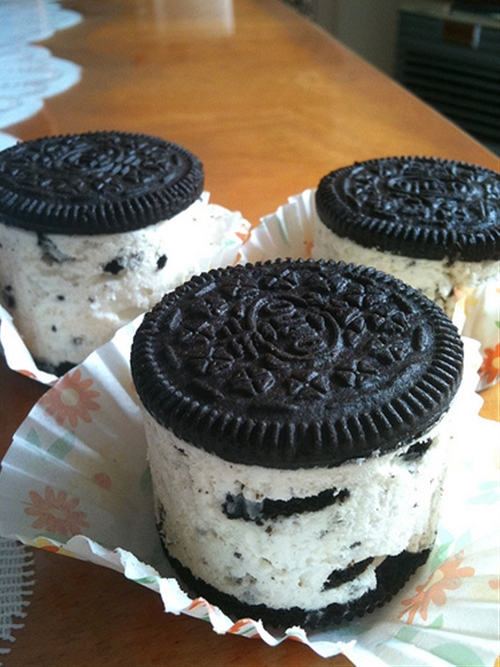Mini no-bake Oreo cheesecakes