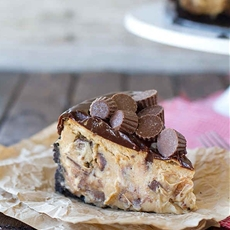 Reeses Peanut Butter Cheesecake