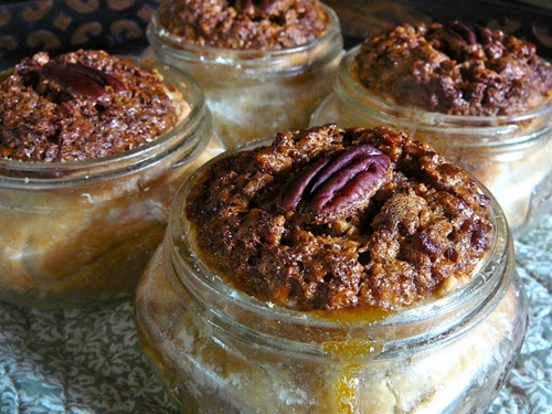 Pecan Pie in Mason Jars!!