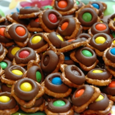 Hershey's, Twist pretzels and m&m