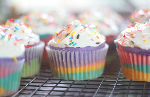 Colorful Cupcakes - A Tutorial