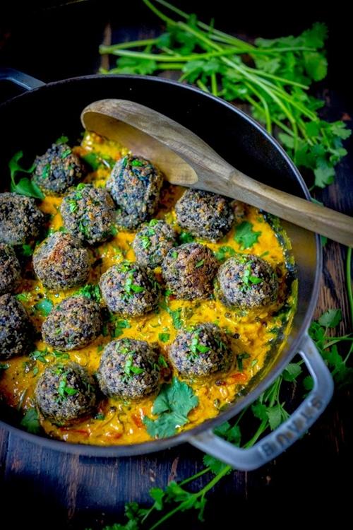 Lentil Meatballs with Indian Fenugreek Sauce