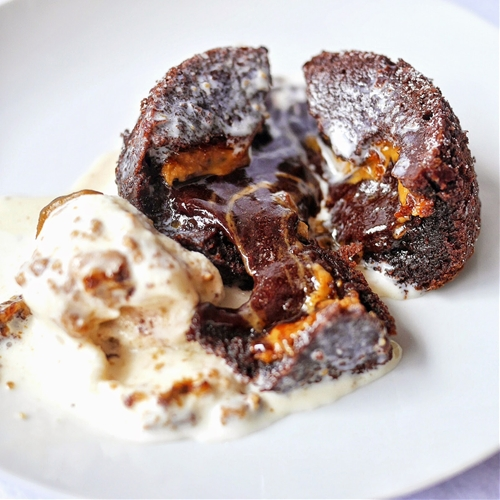 Chocolate Speculoos Molten Lava Cake