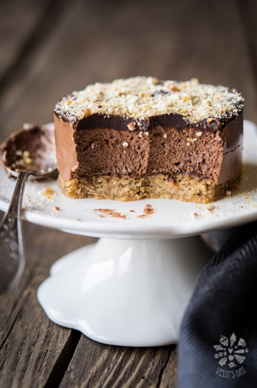 Chestnut chocolate mousse cakes