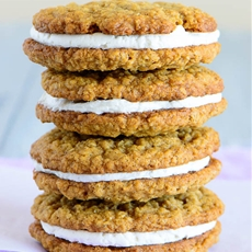 Super Easy Oatmeal Cream Pies