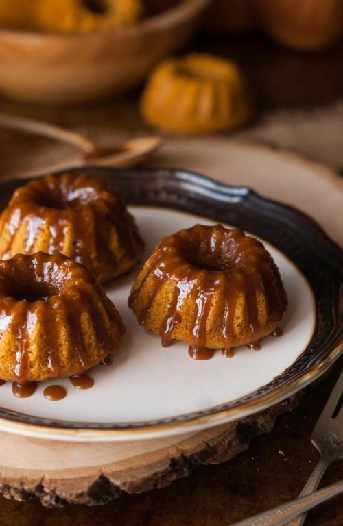 Browned Butter Caramel Pumpkin Spice Mini Bundt Cakes