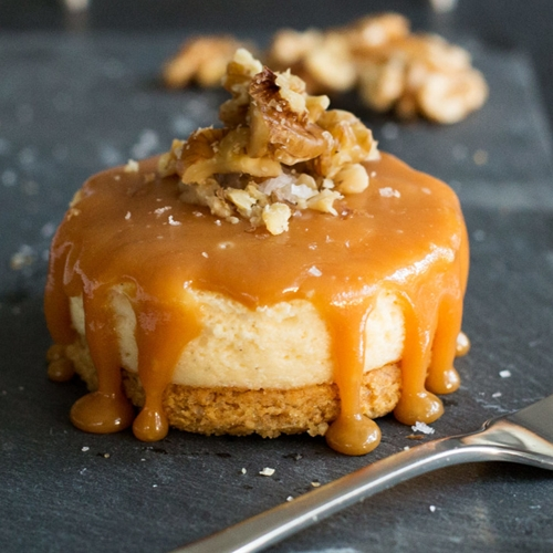 Ginger Biscuit Vanilla Cheesecake with Salted Caramel Topping