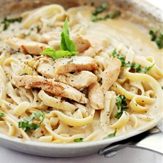 Skinny Chicken Fettuccine with Alfredo Sauce