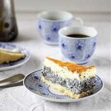 Poppy Seed Sour Cream Cake