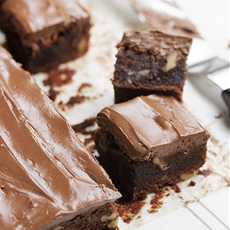 Diner-style Frosted Brownies