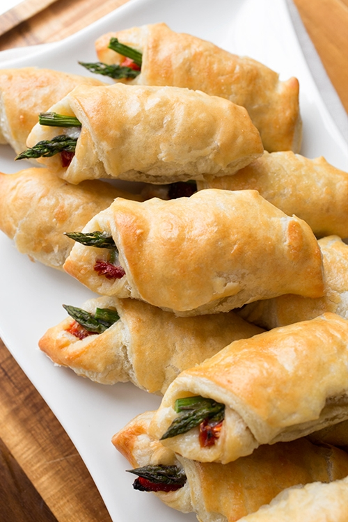 Prosciutto-Wrapped Asparagus Puffs