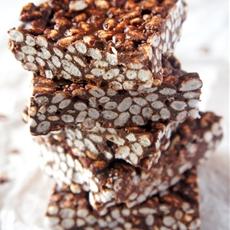 No-Bake Chocolate Peanut Butter Crispy Slices