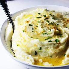 How to Make the Creamiest Dreamiest Mashed Potatoes