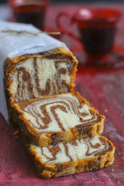 Vanilla And Chocolate Marble Cake