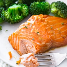 Garlic Honey Ginger Glazed Salmon with Broccoli.