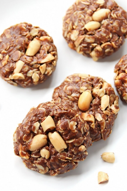 No-Bake Peanut Butter Chocolate Oat Cookies