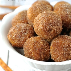 Baked snickerdoodle donut holes