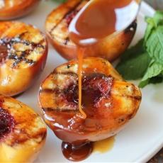 Grilled Peaches & Rum Caramel Sauce