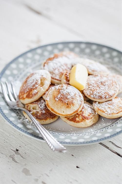 Dutch mini pancakes (poffertjes)