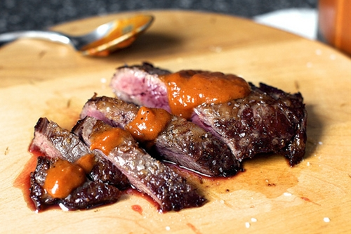 Charred pepper steak sauce
