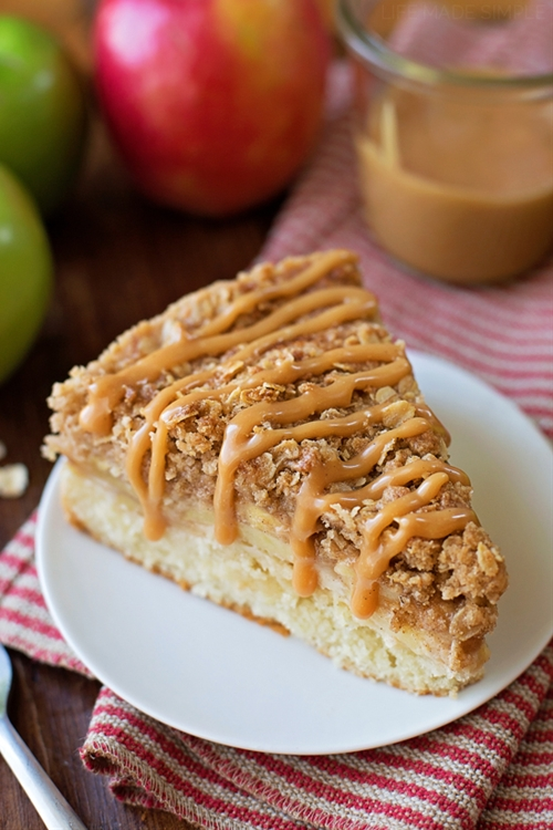 Apple Crisp Crumb Cake