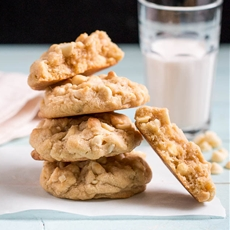 Levain Bakery {inspired} White Chocolate Chip & Macadamia Nut Cookies