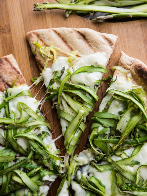 Simple Asparagus Ribbon and Leek Grilled Pizza