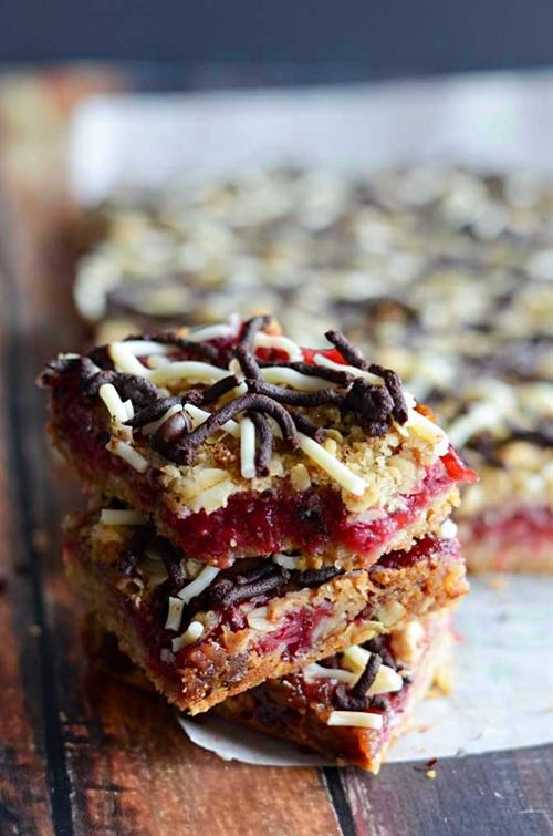 Oatmeal Chocolate & Cranberry Bars