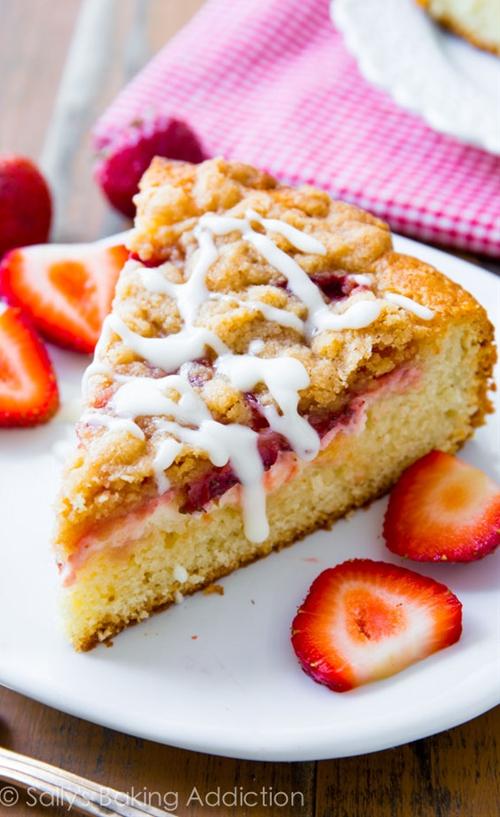 Strawberries n Cream Crumb Cake
