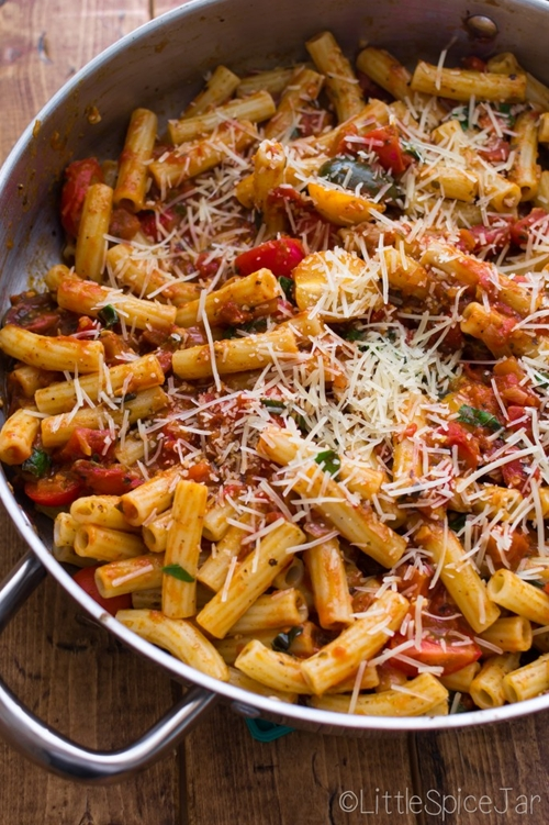 Spicy Baked Caprese Pasta