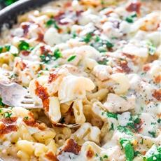 Easy Chicken Alfredo Pasta Bake
