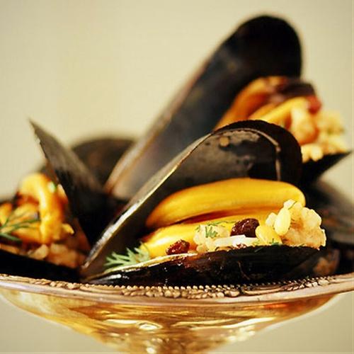 Stuffed Mussels Istanbul Street Style- Midye Dolmas