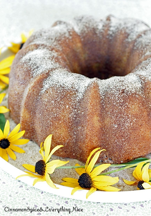 Peaches and Cream Bundt Cake recipe | Chefthisup