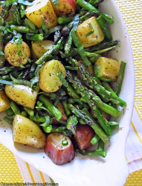 Roasted New Potatoes and Asparagus recipe | Chefthisup