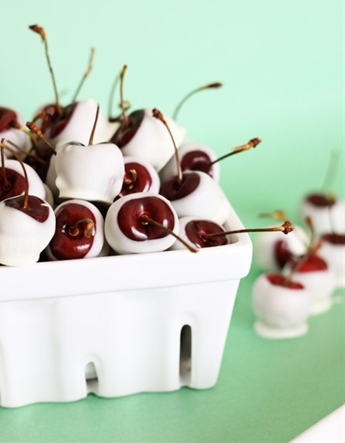 Amaretto-soaked white chocolate cherries