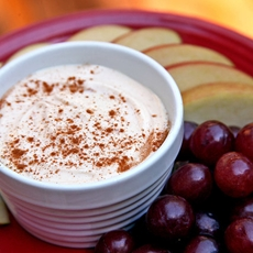 Creamy Peanut Butter Dip and Fruit Slices