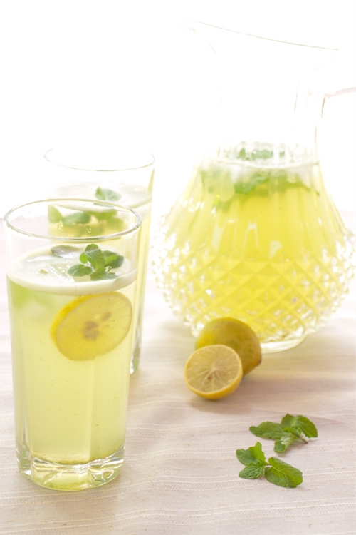 Limonana - lemonade with mint