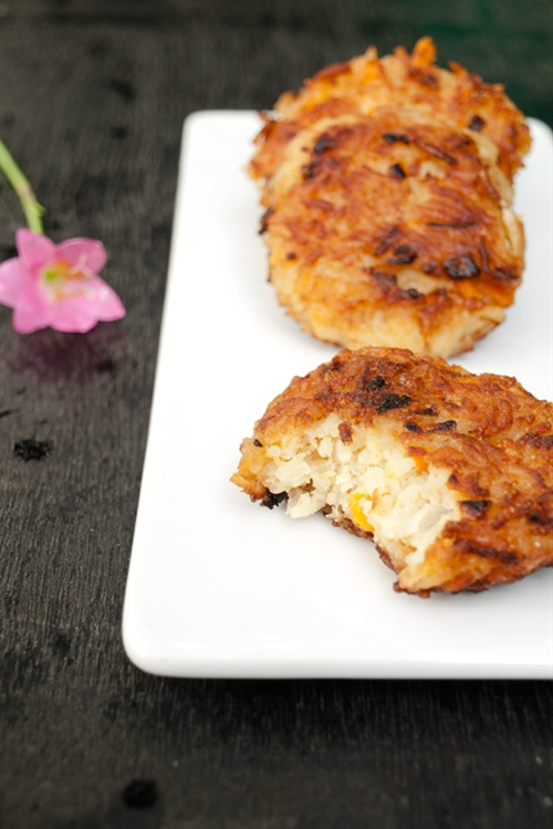 Rice patties recipe with carrots and cheese